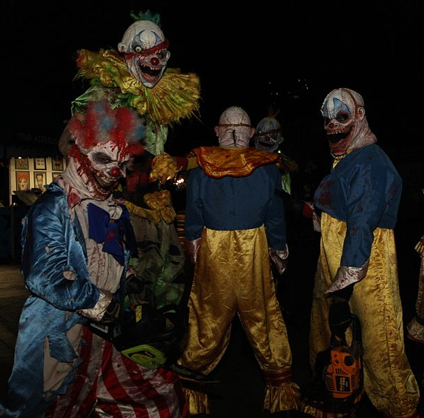 Https://commons.wikimedia.org/wiki/File:Scary_Clowns_at_PDC2008_Party_at_Universal_Studios_(cropped).jpg