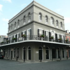 Https://upload.wikimedia.org/wikipedia/commons/f/f8/The_LaLaurie_Mansion.jpg