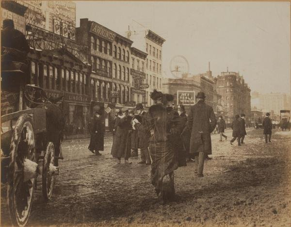 Broadway and west 34th street 1901.jpg