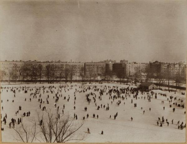 Central park showing the pond at 110th street and the botanical gardens 1906.jpg