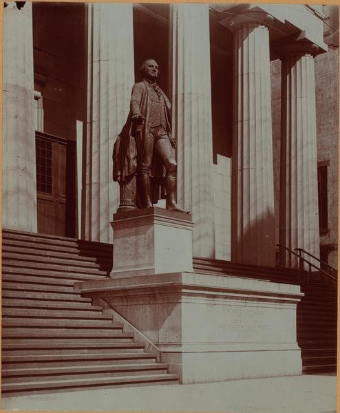 Wall street and nassau street statue of george washington 1900.jpg