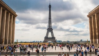 Eiffel tower 974997_960_720.jpg
