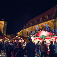 I captured the atmosphere of the christmas market in sibiu romania 6__880.jpg