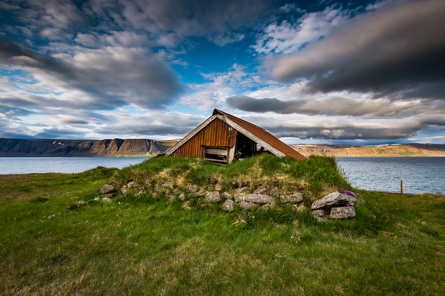 I fell in love with iceland but its a complicated relationship 16__880.jpg