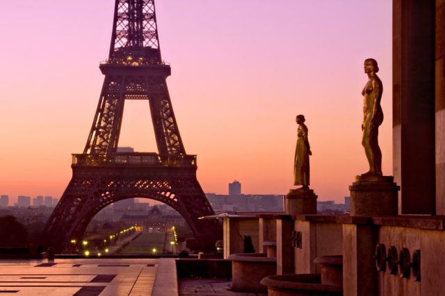 Eiffel tower at dawn paris 57e4343c91c36__880.jpg