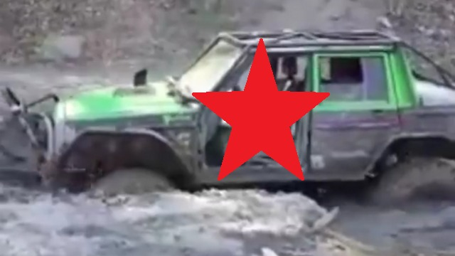 Chlapec a terenne auto.png