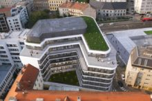 Staromestska offices_courtyard_zelena strecha.jpg