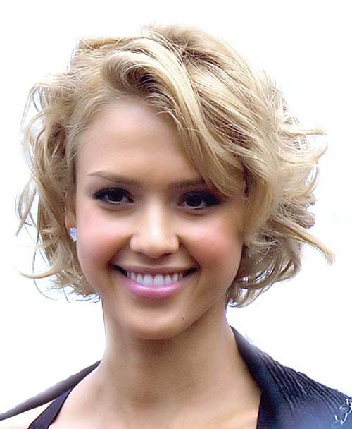 short wavy hairstyle 7