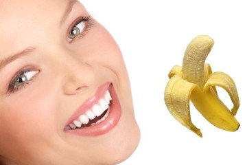 teeth whitening with banana peel 360x240