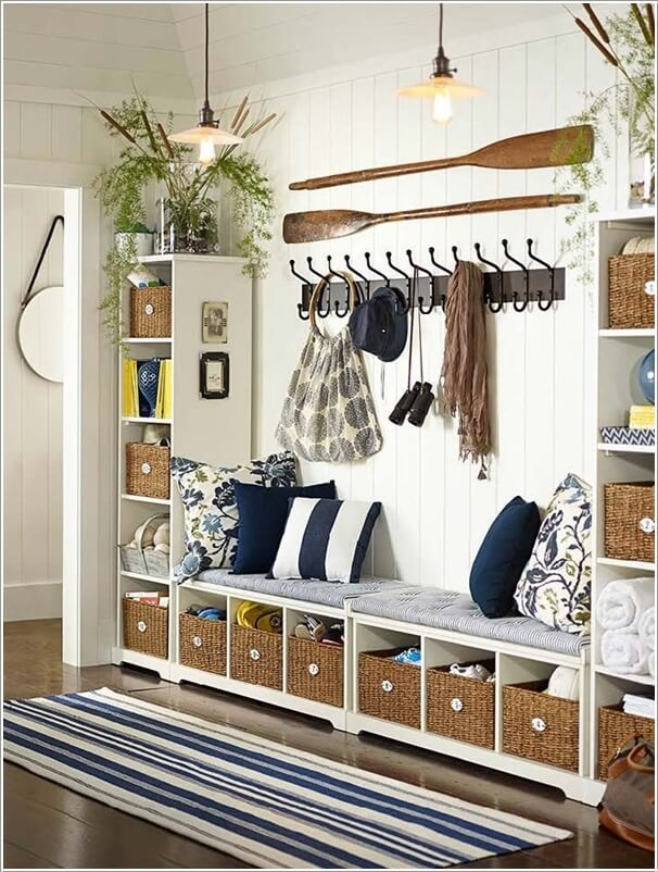 Decorate your walls in nautical style 1.jpg