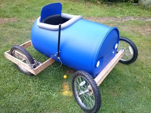Plastic barrel derby cart 10 640x480.jpg