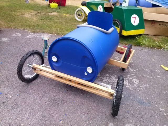 Plastic barrel derby cart 8 640x480.jpg