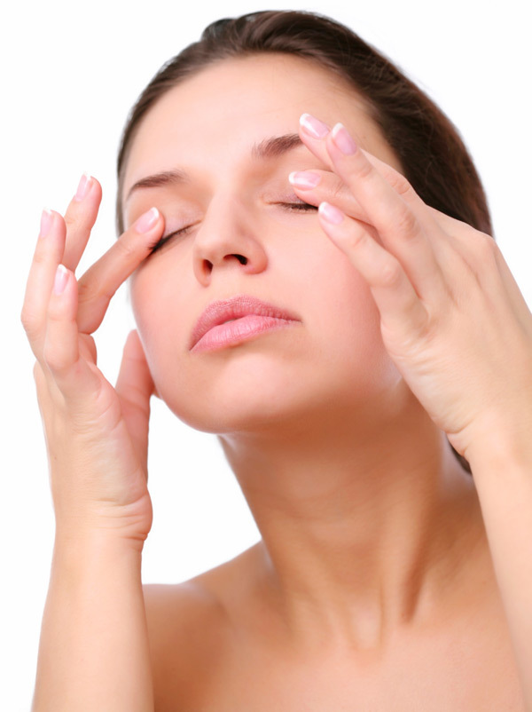 Eye massages for puffy eyes.jpg