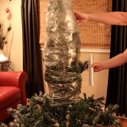 1450115051 christmas decoration shrink wrap tree.jpg