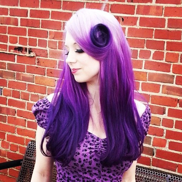 Wonderful dark purple ombre hair color for blonde hair girls the look is so nice.jpg