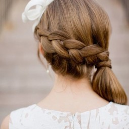 15 ways to rock a pony tail on your wedding10.jpg
