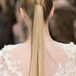 15 ways to rock a pony tail on your wedding5.jpg