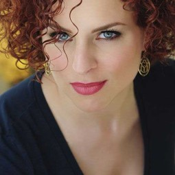 30 curly hairstyles for short hair 17.jpg