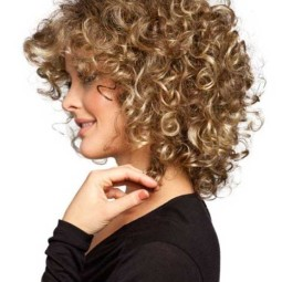 30 curly hairstyles for short hair 2.jpg