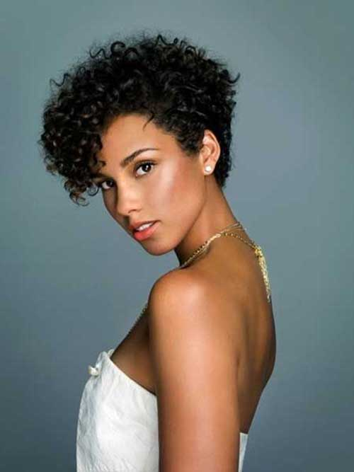 30 curly hairstyles for short hair 3.jpg