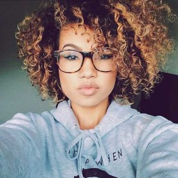 30 curly hairstyles for short hair 9.jpg