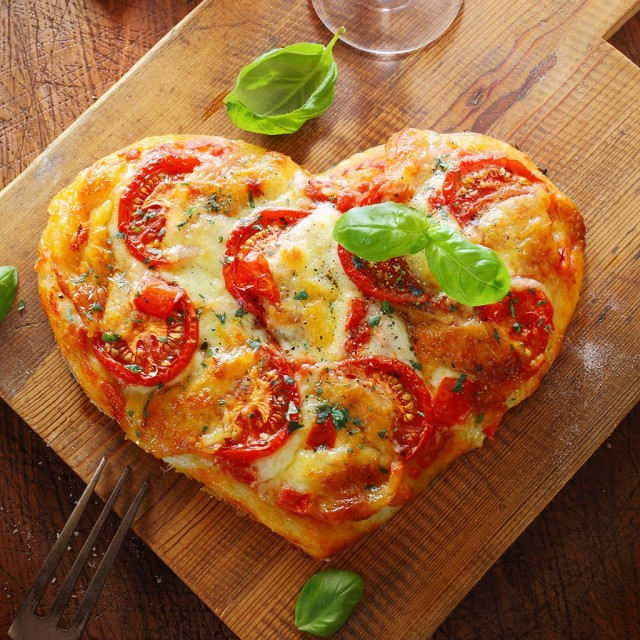 Fwx dos donts heart shaped foods pizza.jpg