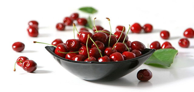 Cherriesinbowl 735 350.jpg