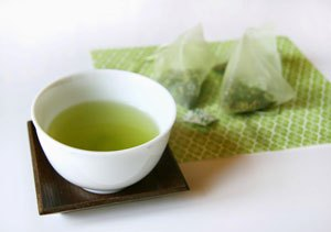 Green tea bag for dry chapped or cracked lips.jpg