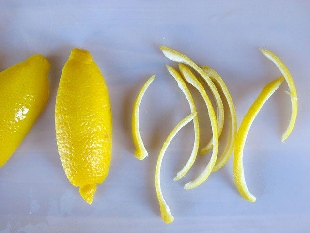 How to candy lemon peels 41 640x480.jpg