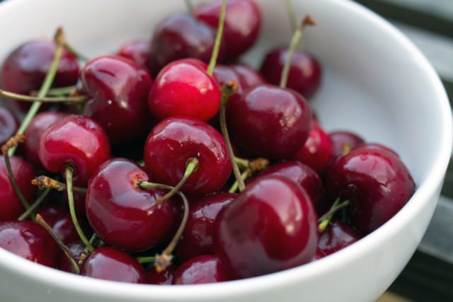 Bing cherries.jpg