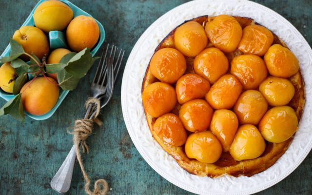 6943765 apricots fruit dessert food.jpg