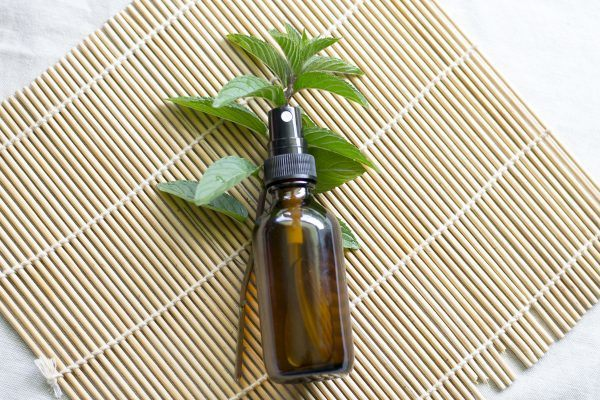 Green tea and peppermint spray cover 600x400.jpg