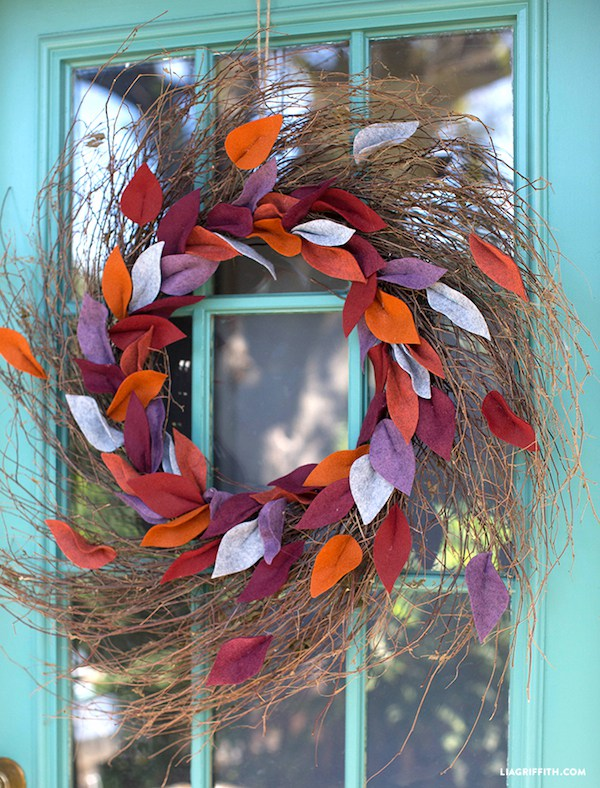 Fall_felt_leaf_wreath_diy.jpg