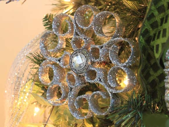 Ornament on christmas tree 1.jpg