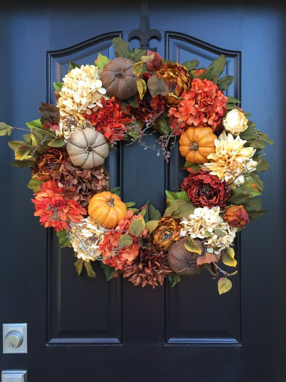 Pumpkin floral wreath.jpg