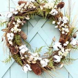 Rustic feather fall wreath.jpg