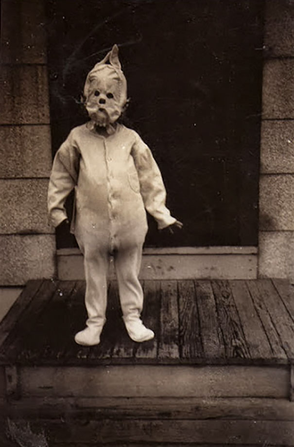 Scary vintage halloween creepy costumes 64 57f74e320ea6b__605.jpg