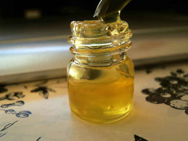 Co2 extraction oil.jpg