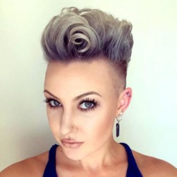 19 backcombed mohawk for women.jpg