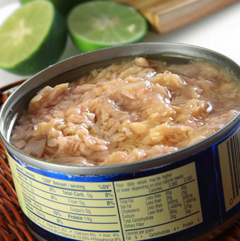 535796 tuna in vegetable oil tastes better but is filled with fat and calories.jpg