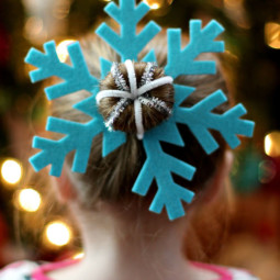 Creative christmas hairstyles 1 58468cb08a9fb__605.jpg