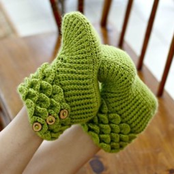 Winter knit gift ideas keep warm hats mittens slippers 18 58259df02c1e5__605.jpg