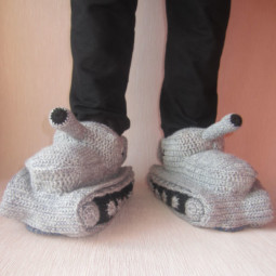 Winter knit gift ideas keep warm hats mittens slippers 36 58259e1c74493__605.jpg