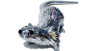Cd animal sculptures recycled art sean avery 35 5885c8c62b1b5__700.jpg