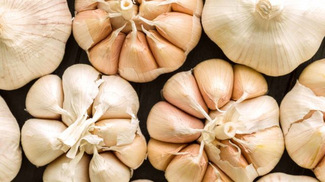 Garlic cloves raw natural remedy high blood pressure hypertension.jpg