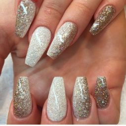 Nude glitter wedding nails for brides 50.jpg