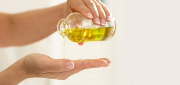 Apply olive oil 600x283.jpg