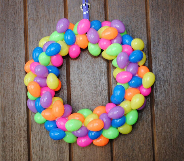 Eastereggwreath.jpg