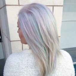 Holographic hair trend 7 58eca774e1be5__700.jpg