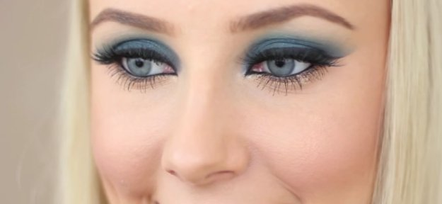 Navy blue makeup tutorials for blue eyes 09.jpg